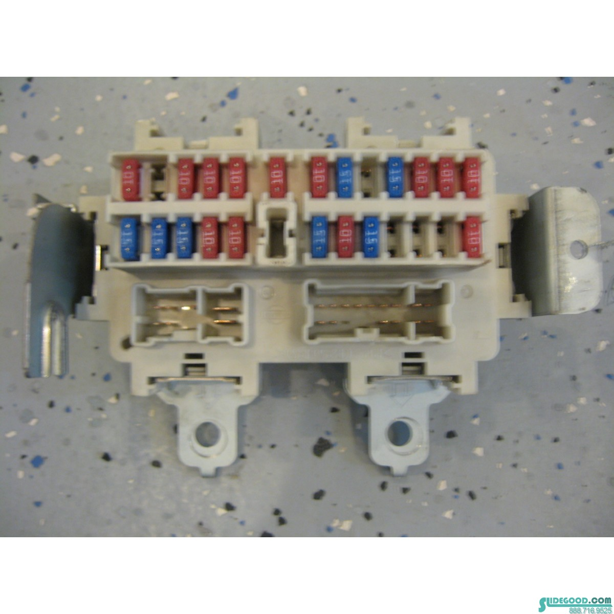 on 2003 Nissan 350z Fuse Box Location