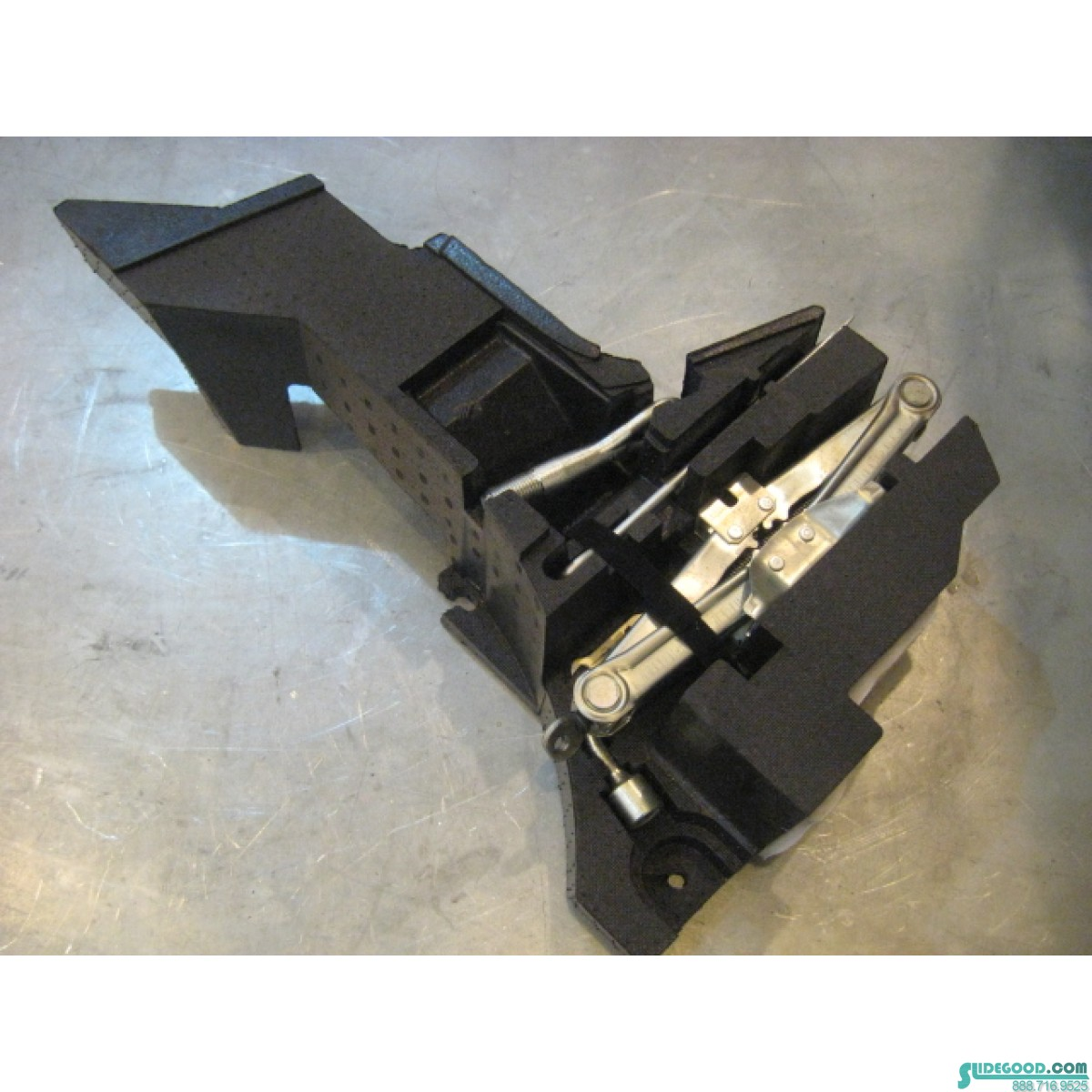 07 Nissan 350z Rear Rh Trunk Foam Jack Set R18362